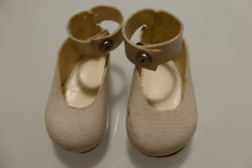 cream ankle strap shoes for sasha dolls